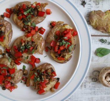 Gebackene Quetschkartoffeln mit Wok-Gemüse