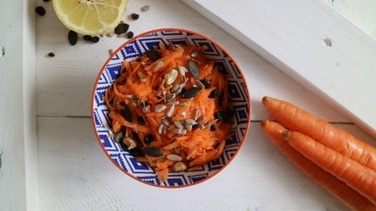 Karotten-Rohkost mit Korinthen