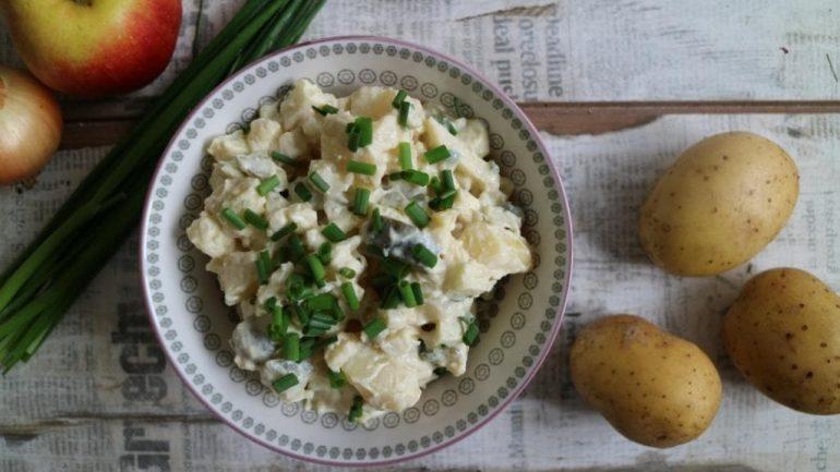 Veganer Kartoffelsalat mit Veggie-Mayo