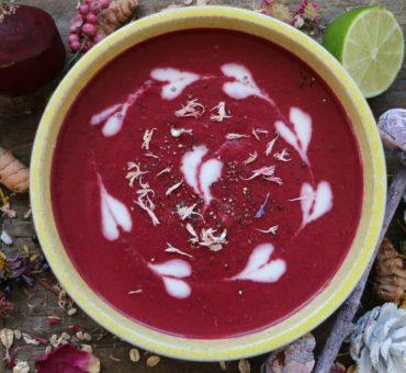 Rote Beete-Süßkartoffel-Suppe